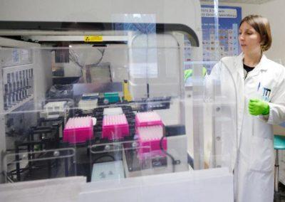 mise en place des échantillons sur le séquenceur ADN
